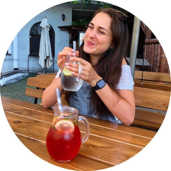 Czech glass straws, helps globally