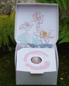 yoni vajíčko s krabičkou z růženínu