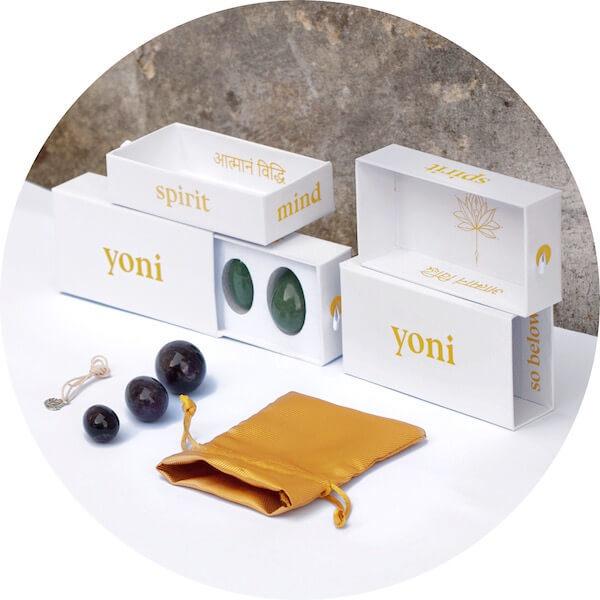 yoni vajíčko v krabičce od značky yoni, růženín, ametyst, aventurín, jaspis a obsidián